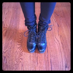 Guess above the ankle boots!